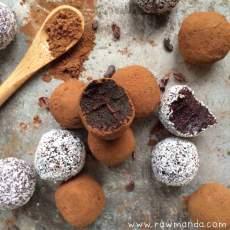 raw-dark-chocolate-berry-coconut-truffles-vegan